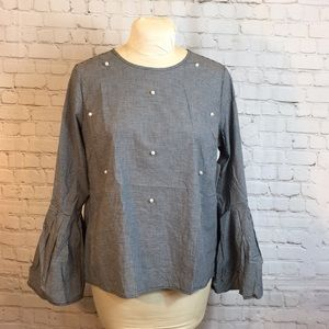 NWT Time & Tru pearl front top w flounce sleeve